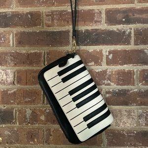 Women's Wristlet piano handbag